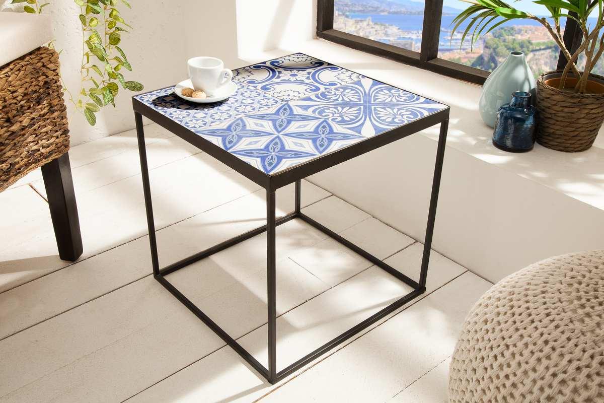 Stílusos kisasztal Noelle kékes-fehér